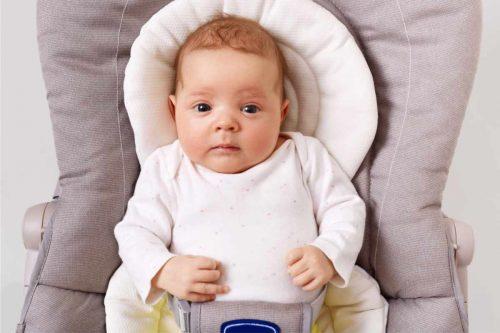bebé vomita comida