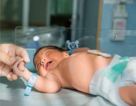 diferentes tipos de pañal de bebés